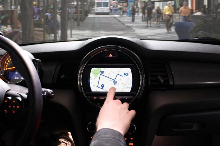 Drive2Shop: Shoppen wir in Zukunft im Auto?