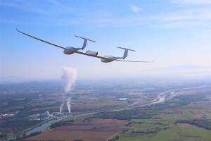 Flugzeug Hy4 revolutioniert die Luftfahrt 2016