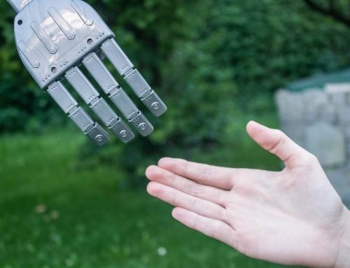 Pflege braucht mehr Menschlichkeit – Roboter helfen dabei