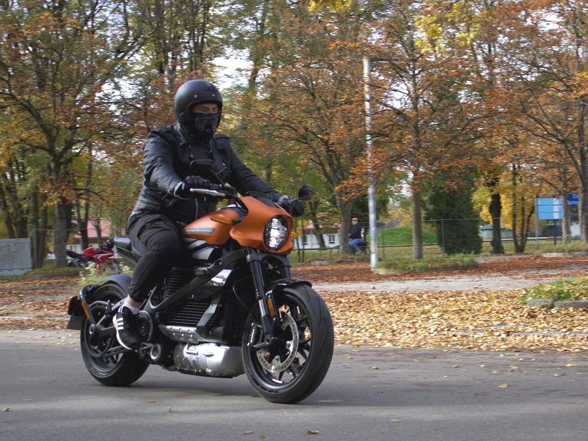 Dario Marchetti testet die Harley Davidson LiveWire